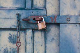 Verschlossene Tür.