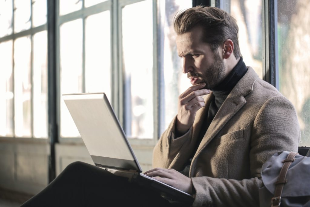 A man buying a car tracker online