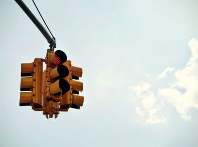 traffic light red warning of fleet challanges