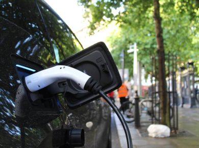 charging electric company car