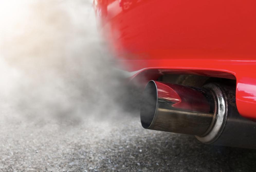 Fleet vehicle emitting CO2