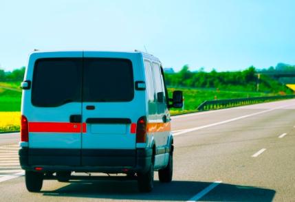 A van using fleet tracking software