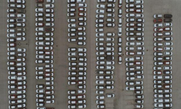 Fuhrpark von oben fotografiert.