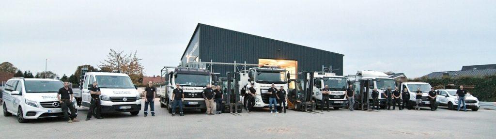 Fuhrpark Haferkamp mit mehreren Fahrzeugen und Mitarbeitenden